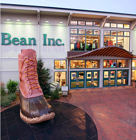 Visit L.L.Bean in Freeport, Maine - Experience the Tradition in Person